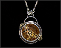 """Deep Mystery"" - Priday Plume Agate Necklace with 18K gold"